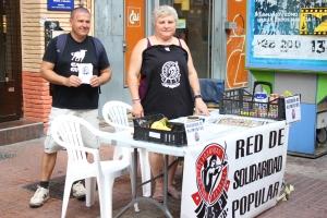 Isabél Garcés, junto a dos miembros más de Red de Solidaridad Popular