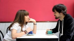 Naroa Capel como Clara y Unai Elizalde como Samuel en escenas del rodaje.
